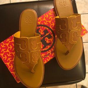 b710ada9486037 Tory Burch Shoes - NIB (Sz9) TORY BURCH